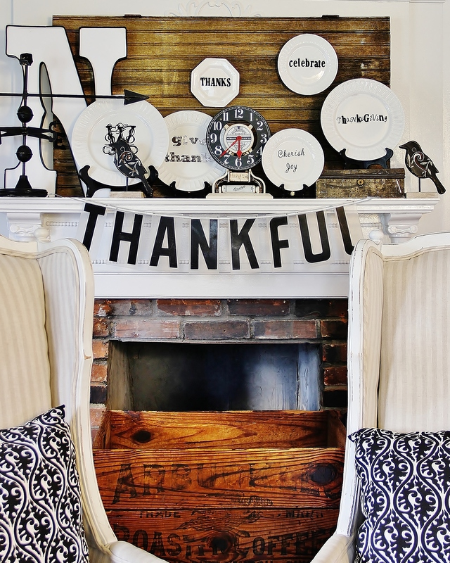 Thanksgiving_Mantel