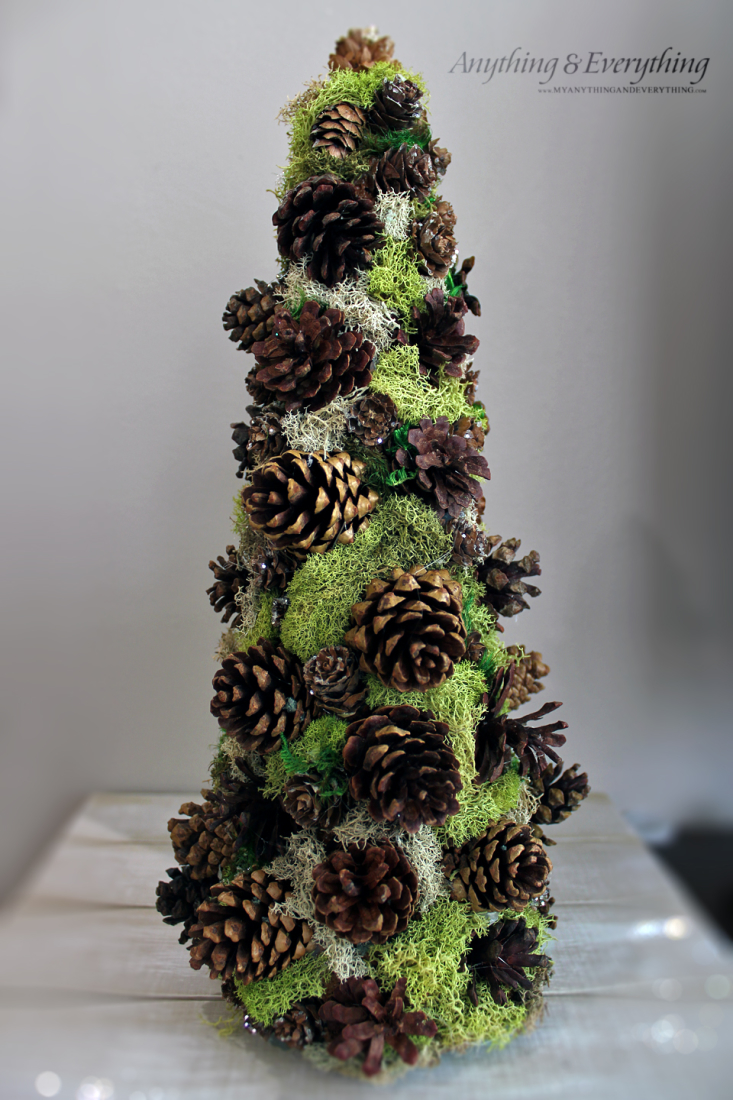 Pinecone decorative tree trim the tree blog hop Homemade christmas decorations using pine cones