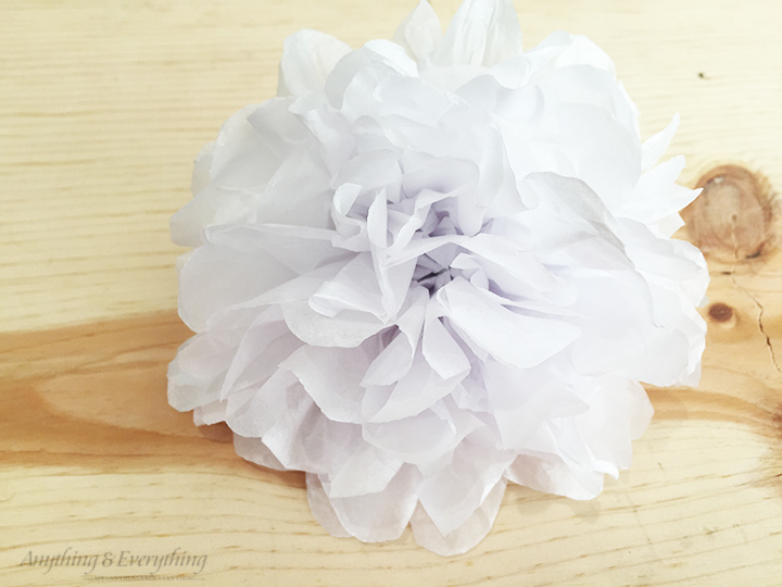 Super easy spring wreath diy tissue paper flower tutorial tissue paper flowers step 7 mightylinksfo