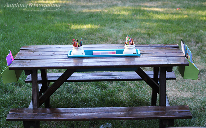 Kids play picnic table